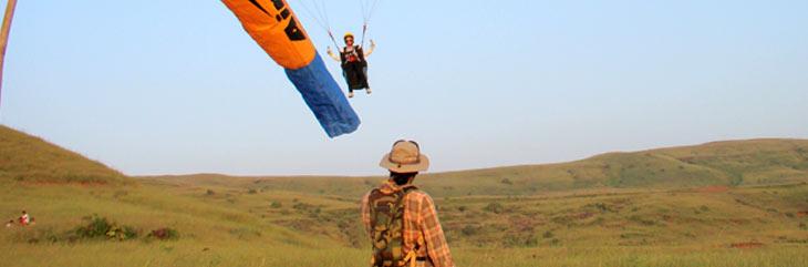 training paraglider at shinde hill kamshet